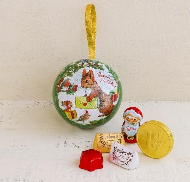 画像3: クリスマスを楽しむ小さな姉弟や動物達を描いた物語オーナメント