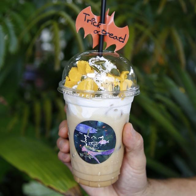 画像4: 神戸メリケンパークの植物園のようなカフェに、大きな『おばけカボチャ』が登場!