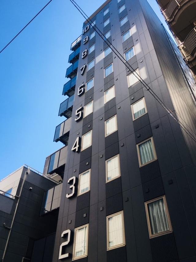 画像: ホテルの壁に階数が大きく表示されていますので、遠くからでも簡単に視認できます!迷っても安心ですよ!