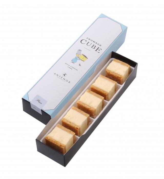 画像: (プレーン)ミルク感たっぷりのチーズに瀬戸内レモンでほんのり甘酸っぱいアクセントをつけたチーズケーキをクッキー生地にサンド。