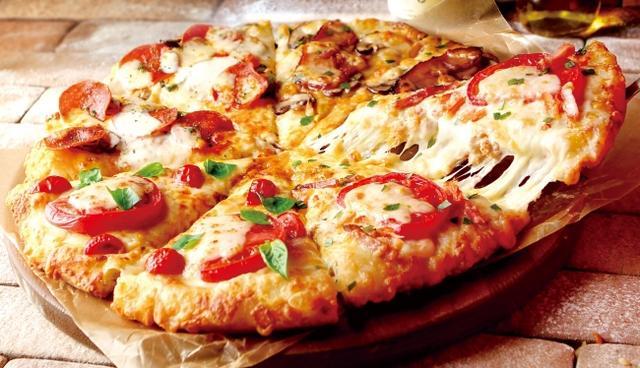 画像2: ピザーラの冬限定 カニも入った2つのクォーターピザが新登場!