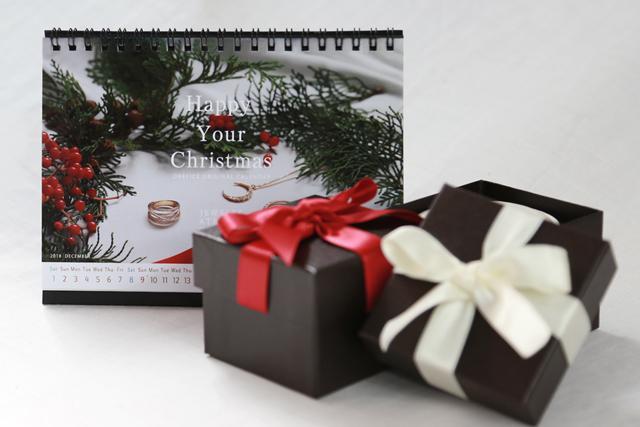 画像: ■Xmasノベルティ 期間中ご購入のお客様に、特別なノベルティとラッピングをご用意いたしました。 ※ラッピング/無料 リボンの色はランダムでお届けします。 ※ノベルティ/2019年オレフィーチェオリジナル卓上カレンダー なくなり次第配布終了