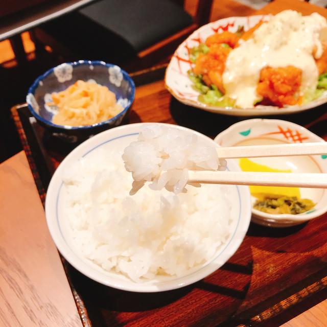 画像: 炊き立て土鍋ごはんはおかわり自由!