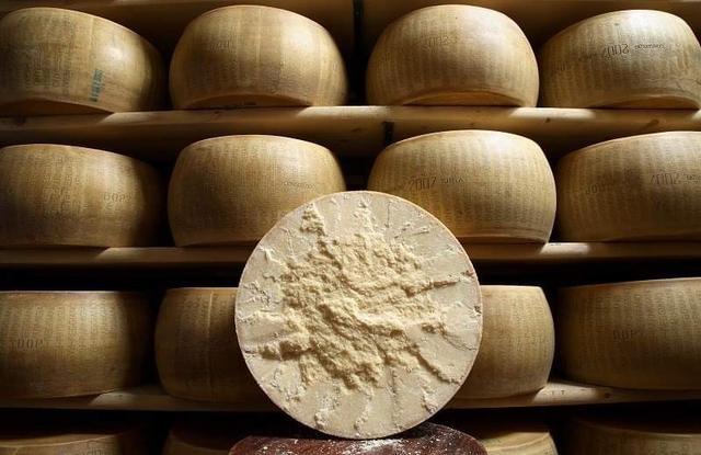 画像1: 写真提供:パルミジャーノ・レッジャーノ・チーズ協会