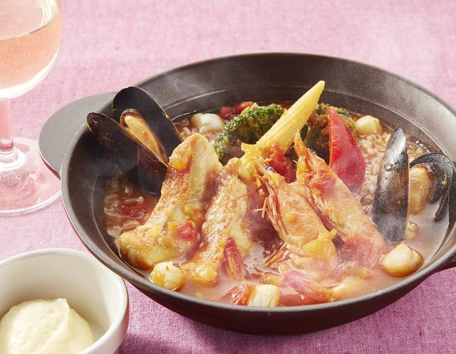 画像: 魚介たっぷりブイヤベース おじや仕立て  1,099円