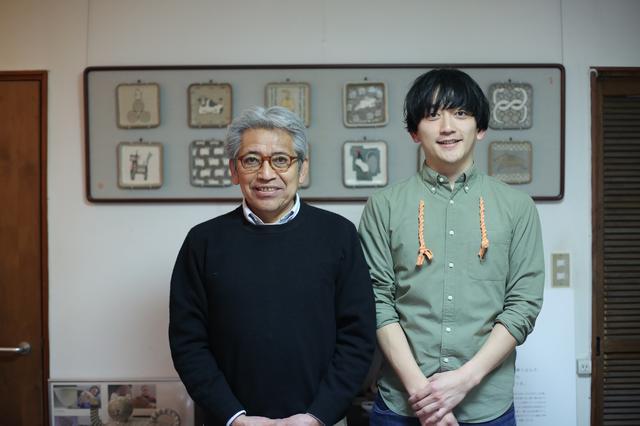 画像: 智路さんと、お父様で無形文化財保持者の教雄さん。とても気さくに接してくださりました!