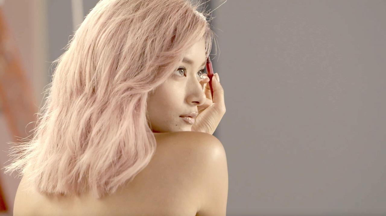 Images : 10番目の画像 - 「No.1コスメのクチコミアプリ「LIPS」が初TVCM」のアルバム - カワコレメディア   最新トレンド・コスメ・スイーツなど女の子のためのガールズメディアです!
