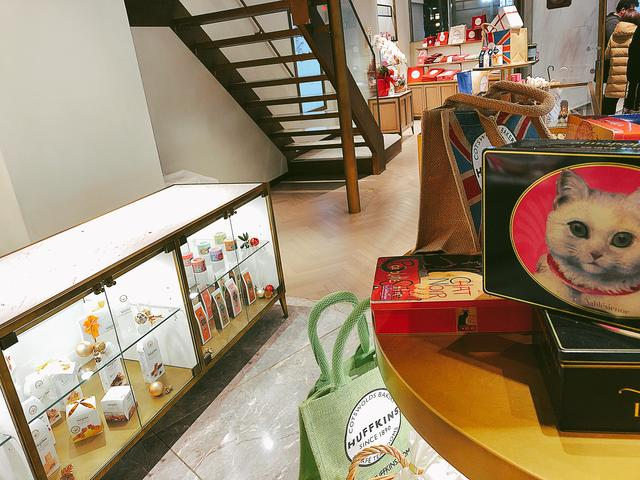 画像1: 1Fはショッピングエリア♡おしゃれなお菓子たちがお出迎え