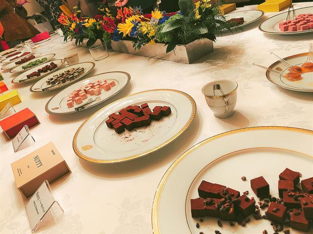 画像1: カカオの香りに溺れる♡30種類の生チョコレートとバウムクーヘンを試食
