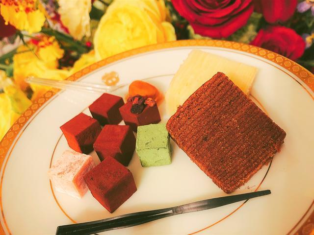 画像2: カカオの香りに溺れる♡30種類の生チョコレートとバウムクーヘンを試食