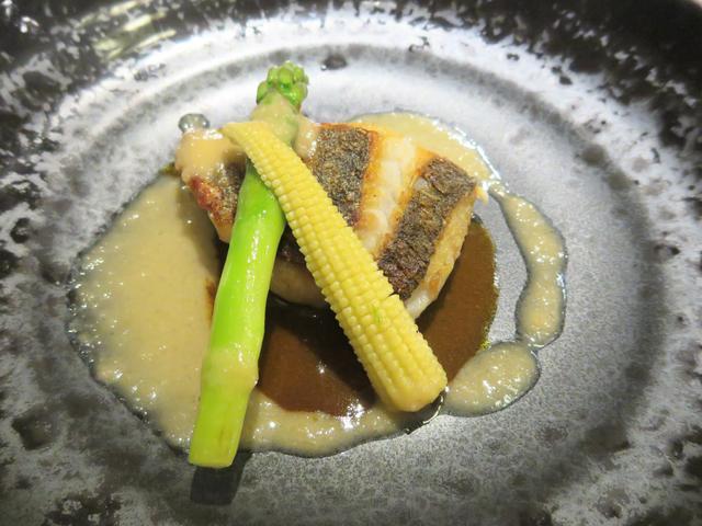 画像: 白身魚(スズキ)のソテー トムヤムクン風ソース