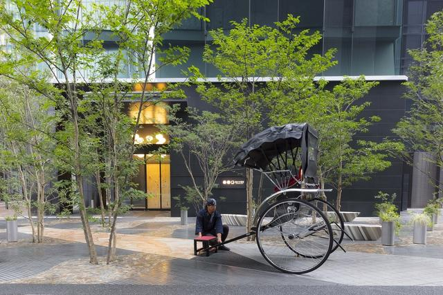 画像4: 【星のや東京】人力車と舟から眺める夜桜を楽しむ 「東京・夜桜舟あそび」