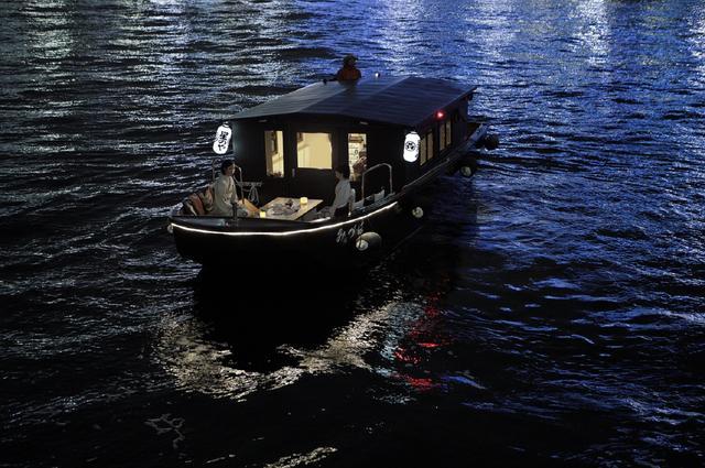 画像3: 【星のや東京】人力車と舟から眺める夜桜を楽しむ 「東京・夜桜舟あそび」