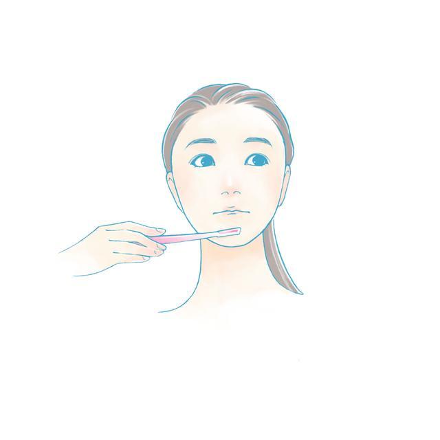 画像: フェイスラインも上から下に向けて剃っていきます。あごやあごの裏側も上から下に剃りましょう。 同じ場所を何度も剃らずに、1回で剃り終えることが、肌にダメージを与えないポイントです。
