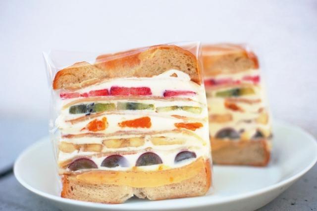画像1: 街で人気のパン屋さんが日替わりで大集合!