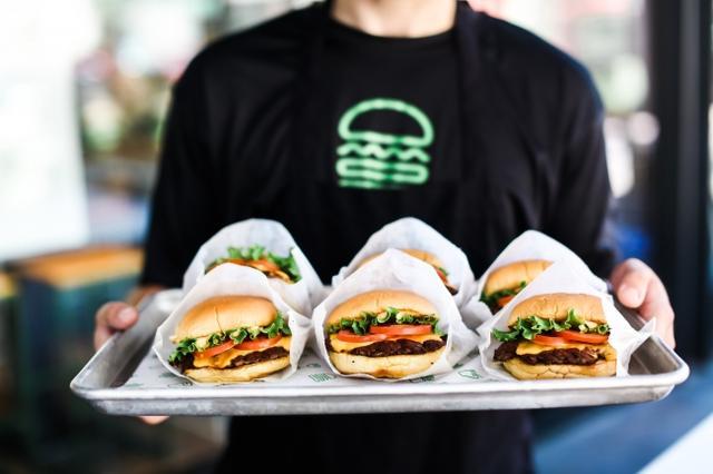 画像3: ニューヨーク発のハンバーガーレストラン「Shake Shack」が4月京都に初出店!
