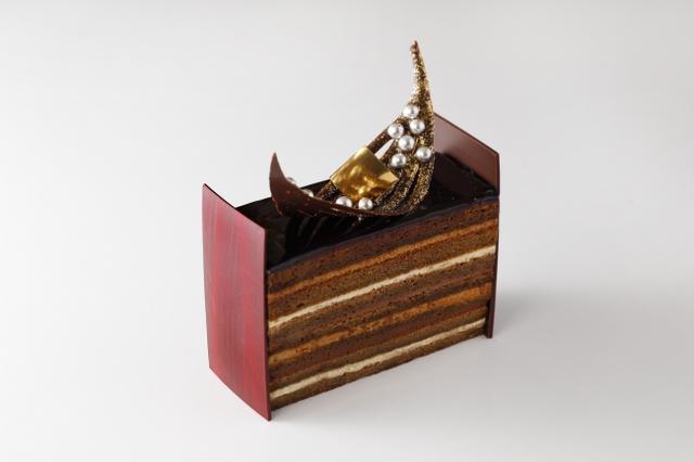画像: 14層の饗宴。漆黒のチョコレートを纏った『スーパーオペラ』