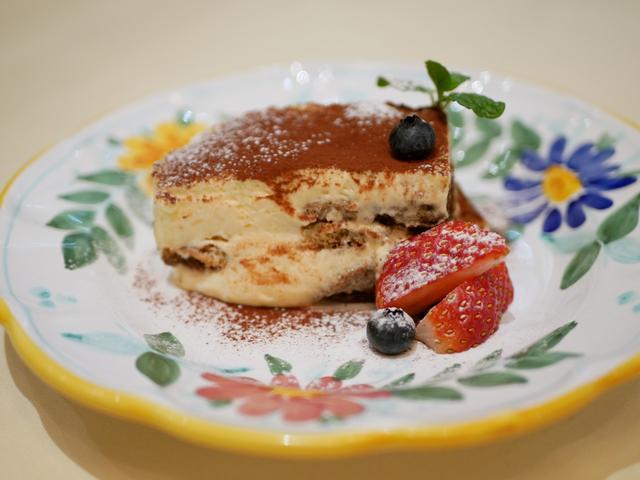 画像: エスプレッソとマスカルポーネチーズの自家製ティラミス540円(税込)