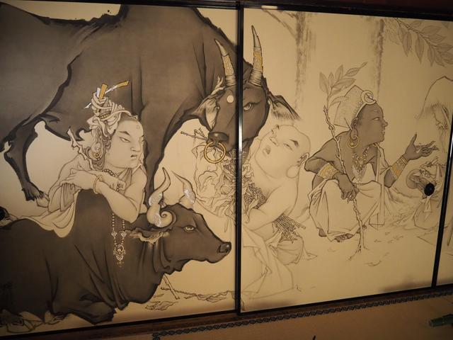 画像: 生誕480年となる桃山時代の絵師・長谷川等伯筆の襖絵が特別展示中。 今回は特別に撮影させてもらいましたが、通常は写真撮影禁止となりますのでご注意ください!