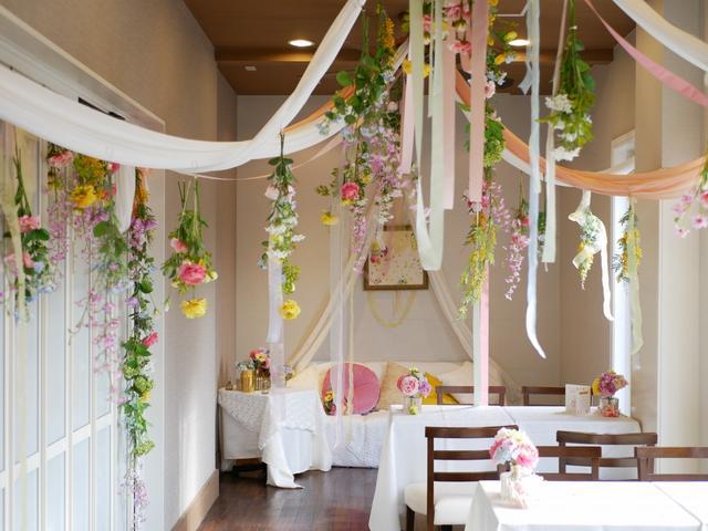 画像: 思わず歓声をあげてしまうほど素敵なmarryカフェの店内