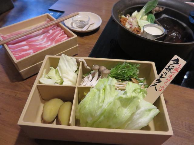 画像3: 鍋にかけるチーズ!?