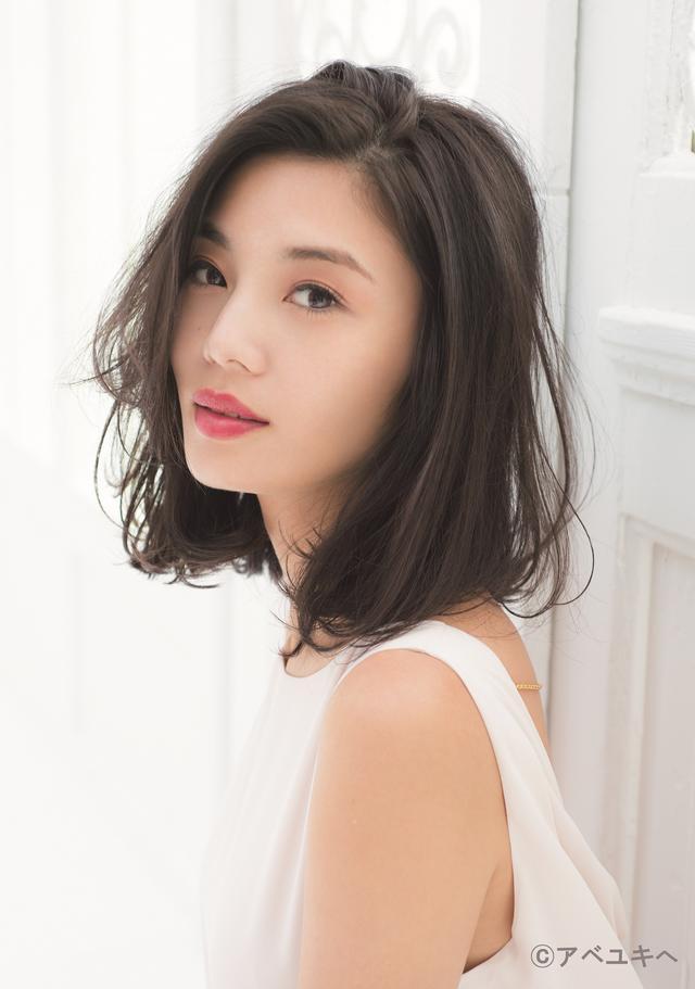 画像: 島袋聖南(SEINA SHIMABUKURO) モデル 1987年4月4日生まれ。31歳。沖縄県出身。 CX「テラスハウス」に出演がきっかけとなり話題に。 モデルとして様々な雑誌、ファッションショー、広告、イベントに出演。 現在はIHTA認定ヨガインストラクター1級の資格を取得し、インストラクターとしての活動も準備中。