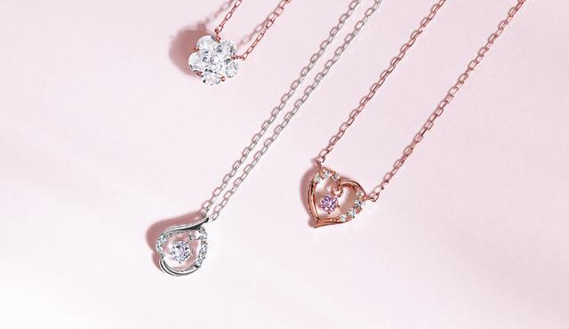 画像: K10PG/Cubic Zirconia Necklace ¥18,000+Tax K10WG/Morganite Necklace ¥22,000+Tax K10PG/Amethyst Necklace ¥22,000+Tax