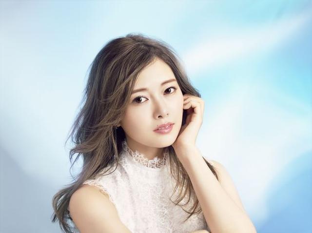 画像1: 白石麻衣さんがイメージモデル!うるおい続く新コンタクトレンズ発売