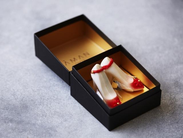 画像: 【ホワイトデー】苺とシャンパンが香るハイヒール型チョコレート