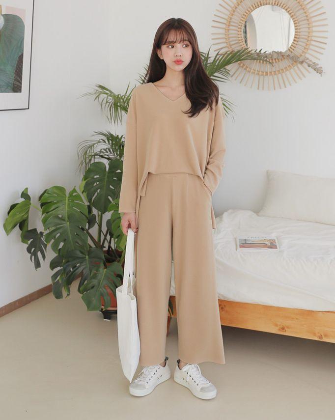 画像: スリットVネックTシャツ&イージーワイドパンツSET・ 全3色・t52729・¥ 3,930 (税抜)