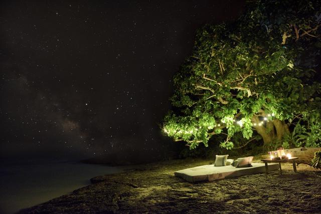 画像1: 【星のや竹富島】天の川が流れる星空を眺めて時間を忘れる 「星降る夜のてぃんがーらピクニック」開催