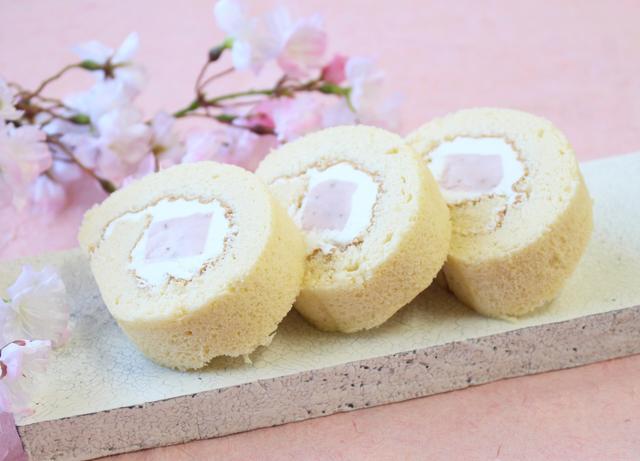 画像1: 吉野本葛100%のロールケーキ「くずの子ロール」春限定の「さくら味」が通販でも登場!