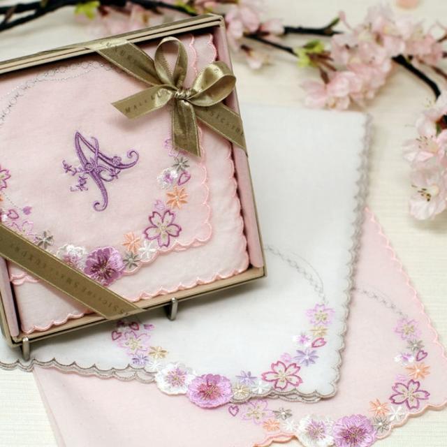 画像1: 入学・入社 新しいスタートのお祝いに 桜ハンカチ発売中