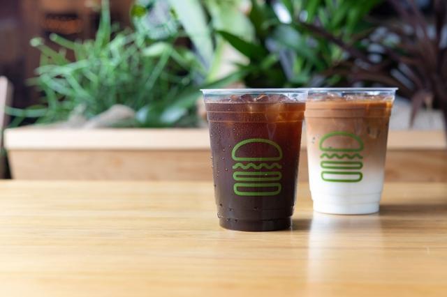 画像: Shake Shack全店でアイスコーヒー&アイスラテの販売をスタート!