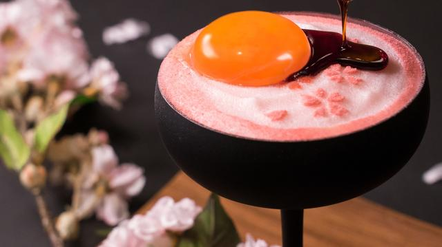 画像2: 賞味期限10分の生プリンが 春限定の「生プリン 夜桜」になって新発売!