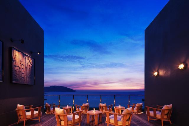 画像1: 【界 アンジン】夕暮れと海風に包まれる贅沢な夕涼み「サンセットビアデッキ」
