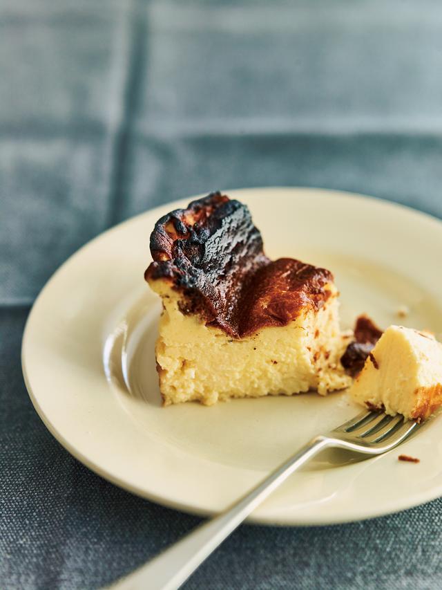 画像2: スペイン・バスク地方からやってきた!とろける真っ黒チーズケーキ(バスク風チーズケーキ) オレンジページnetでレシピ公開!