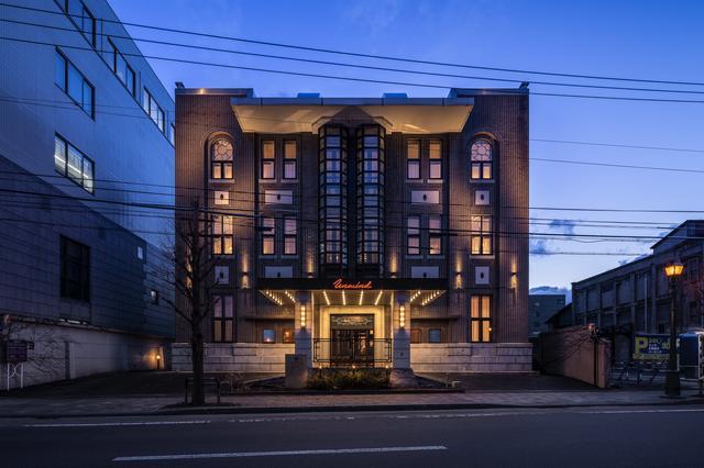 画像1: 歴史的建造物と現代的内装デザインが織り成す世界観