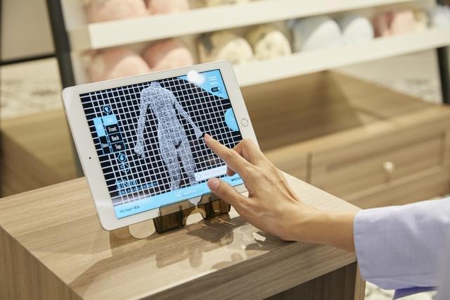 画像1: 接客AI(人工知能)対話でタブレットでのオススメ下着提案→試着→購入