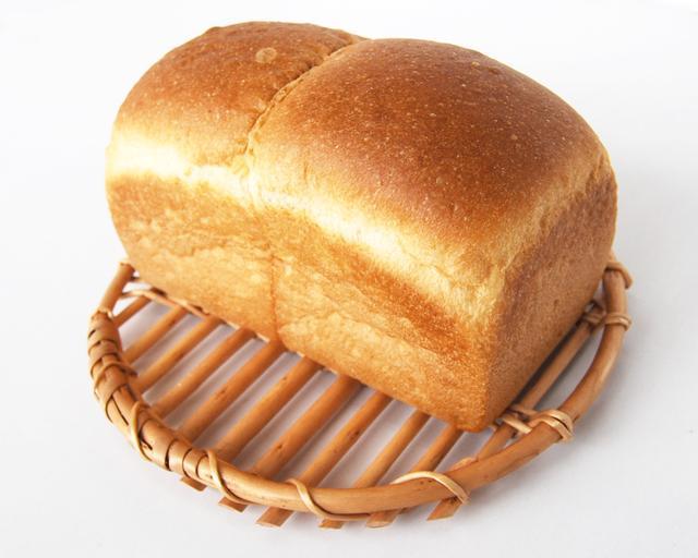 画像: 究極の生食パン Ultimate Bread Loaf ¥1,200(税込) 考えられる最高の素材をつかってつくる究極の生食パン