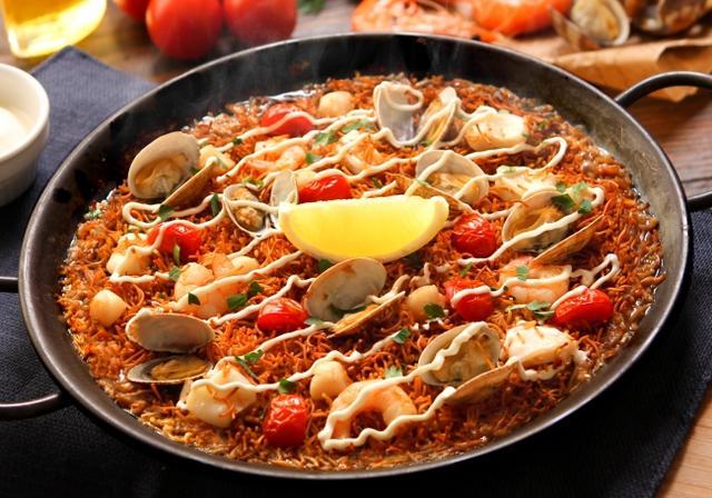 画像: 本場スペイン料理の定番「フィデワ」がビバパエリアで食べられる!