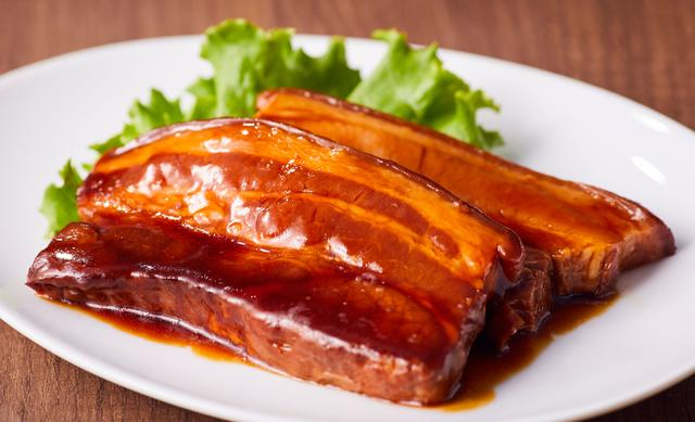 画像2: とろける食感の豚バラ肉!『トンポーローバーガー』