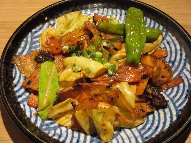 画像: 「唐辛子の辛みが食欲をそそる豚肉とキムチの野菜炒め」