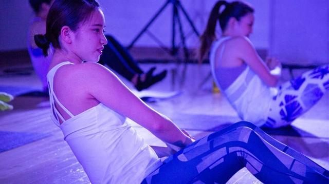画像1: 日本初上陸!L.A.発「-5kg」女性専用・暗闇フィットネス「FAVLES(ファブレス)日暮里店」先行無料カウンセリングスタート