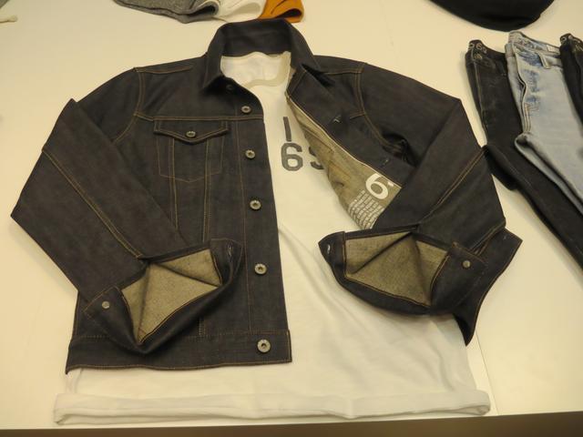 画像: 1969のロゴ入りシャツとジャケット