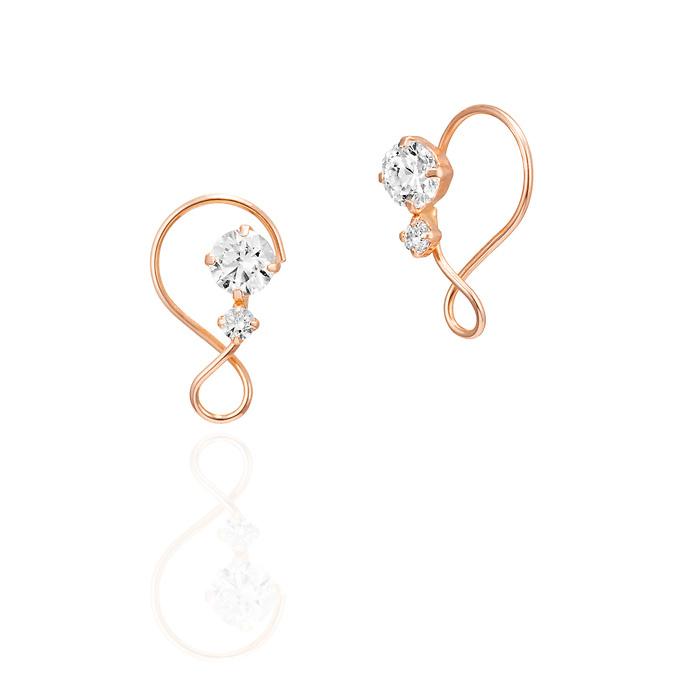 画像: 〈イヤリング〉 K10ピンクゴールドイヤリング 価格:¥10,000+税 軽やかなラインにキュービックジルコニ アがきらめくフェミニンな印象のイヤリ ング。ピンクゴールドの優しい色合い が肌になじむ女性らしいデザインです