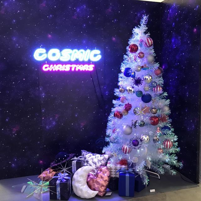 画像: クリスマスLEDファイバーツリー 80cm¥6,000/150cm¥18,000*オーナメント、ツリートップ、ツリースカートは別売りです。