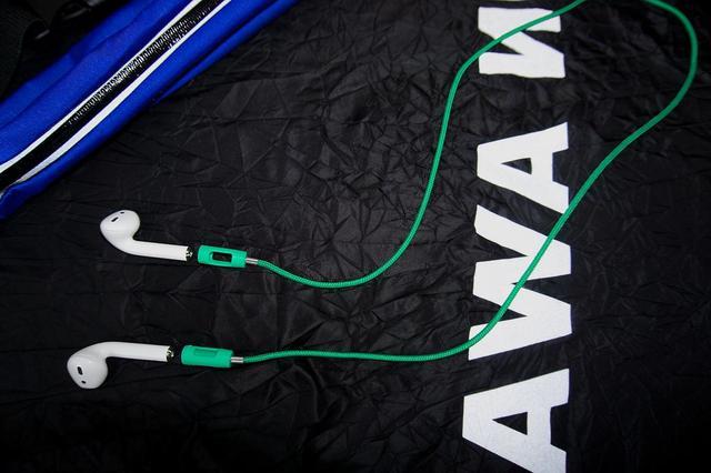 画像1: スウェーデン・ストックホルム発 「Tapper」 の アクセサリーブランド Apple Air pods専用のWireless イヤフォン