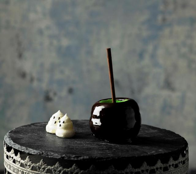 """画像3: 【品川プリンスホテル】 """"魔女が作る毒りんご""""をイメージした4種のハロウィーンスイーツを販売"""