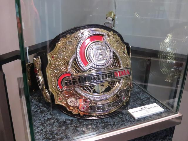 画像: 堀口恭司選手のチャンピオンベルトが展示中